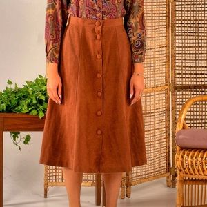 Dresses & Skirts - Vintage brown suede buttoned skirt